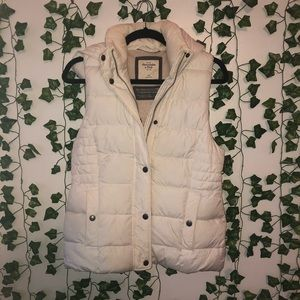 ABERCROMBIE & FITCH Hooded Puffer Vest
